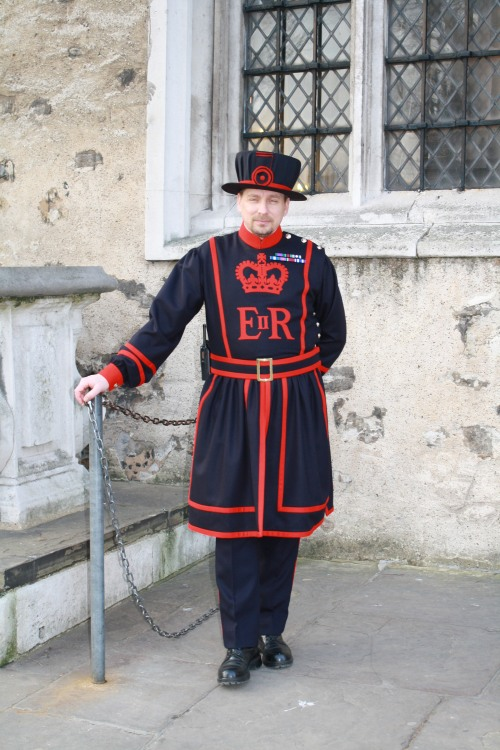 Yeoman_Warder_-_Beefeater